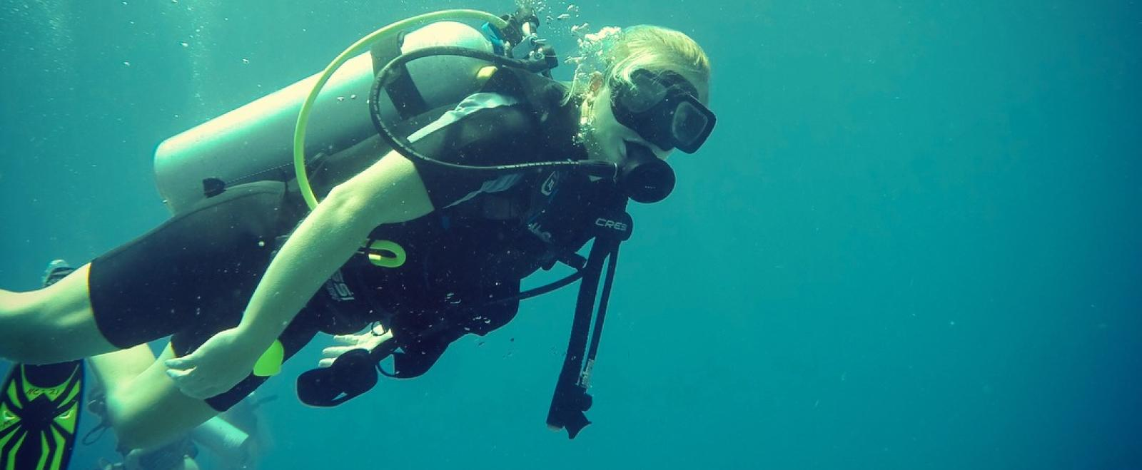 A Projects Abroad volunteer that learnt to dive in Thailand after taking a divemaster course on a conservation project